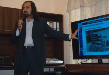 国立工科大学NUSTロボット工学ヤサル教授